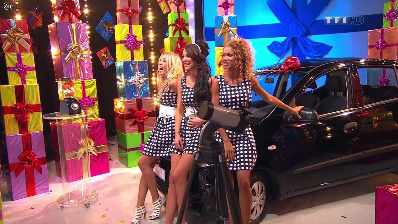 Nadia Aydanne, Doris Rouesne et Fanny Veyrac dans le Juste Prix. Diffusé à la télévision le 17/10/11.