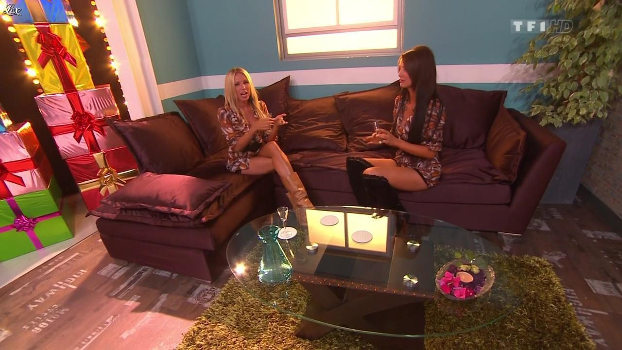 Nadia Aydanne et Fanny Veyrac dans le Juste Prix. Diffusé à la télévision le 28/10/11.