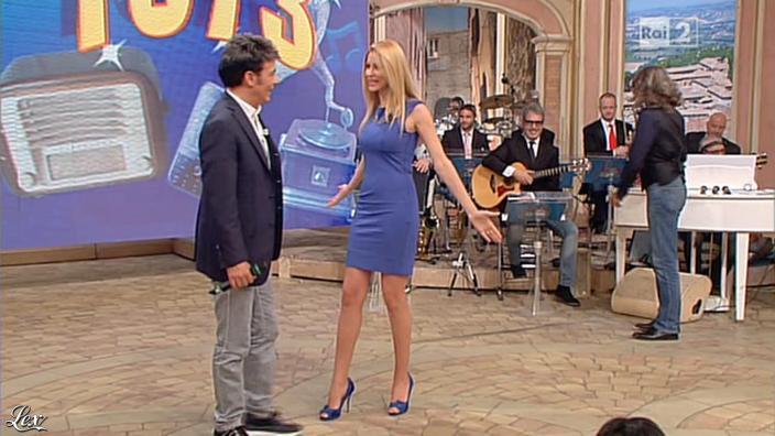 Adriana Volpe dans I Fatti Vostri. Diffusé à la télévision le 21/05/13.
