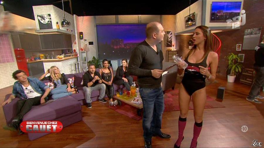 Ayem et Cristal Cruze dans Bienvenue Chez Cauet. Diffusé à la télévision le 10/03/12.