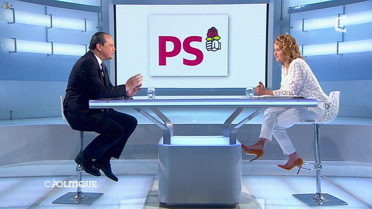 Caroline Roux dans C Politique. Diffusé à la télévision le 18/05/14.