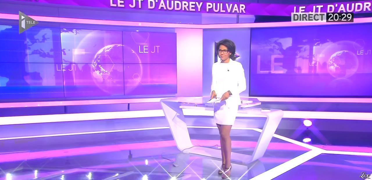 Audrey Pulvar dans le JT. Diffusé à la télévision le 15/06/15.