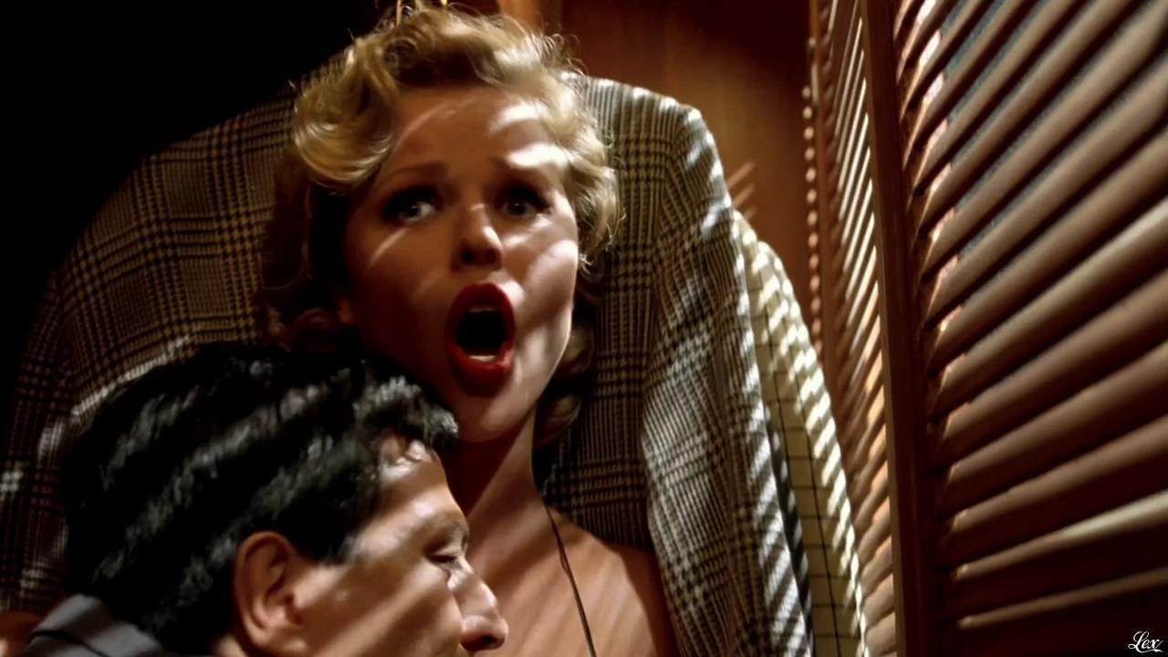 Eva Hertzigova dans les Anges Gardiens. Diffusé à la télévision le 29/12/09.