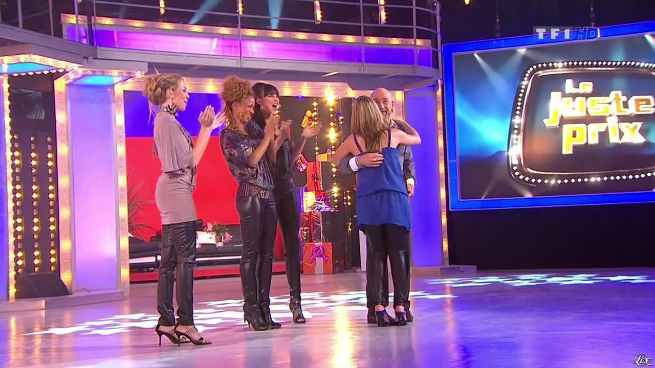 Les Gafettes, Fanny Veyrac, Nadia Aydanne, Doris Rouesne et Stéphanie dans le Juste Prix. Diffusé à la télévision le 05/01/10.