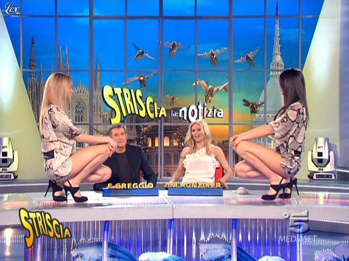 Michelle Hunziker, Costanza Caracciolo et FederiÇa Nargi dans Striscia la Notizia. Diffusé à la télévision le 20/03/09.
