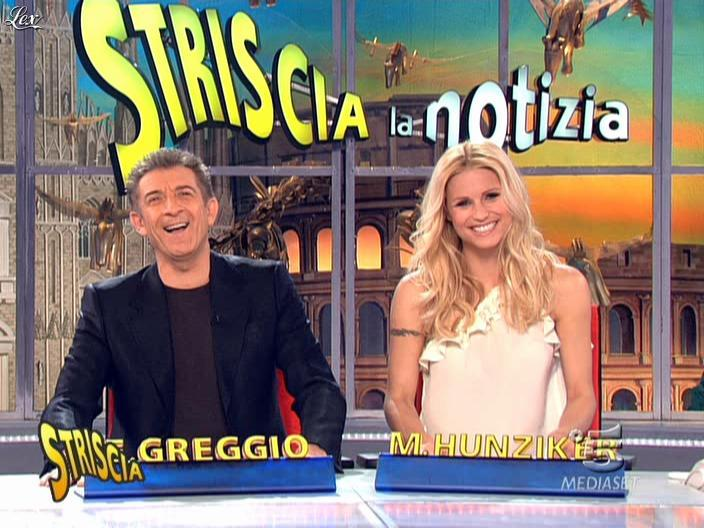 Michelle Hunziker dans Striscia la Notizia. Diffusé à la télévision le 20/03/09.