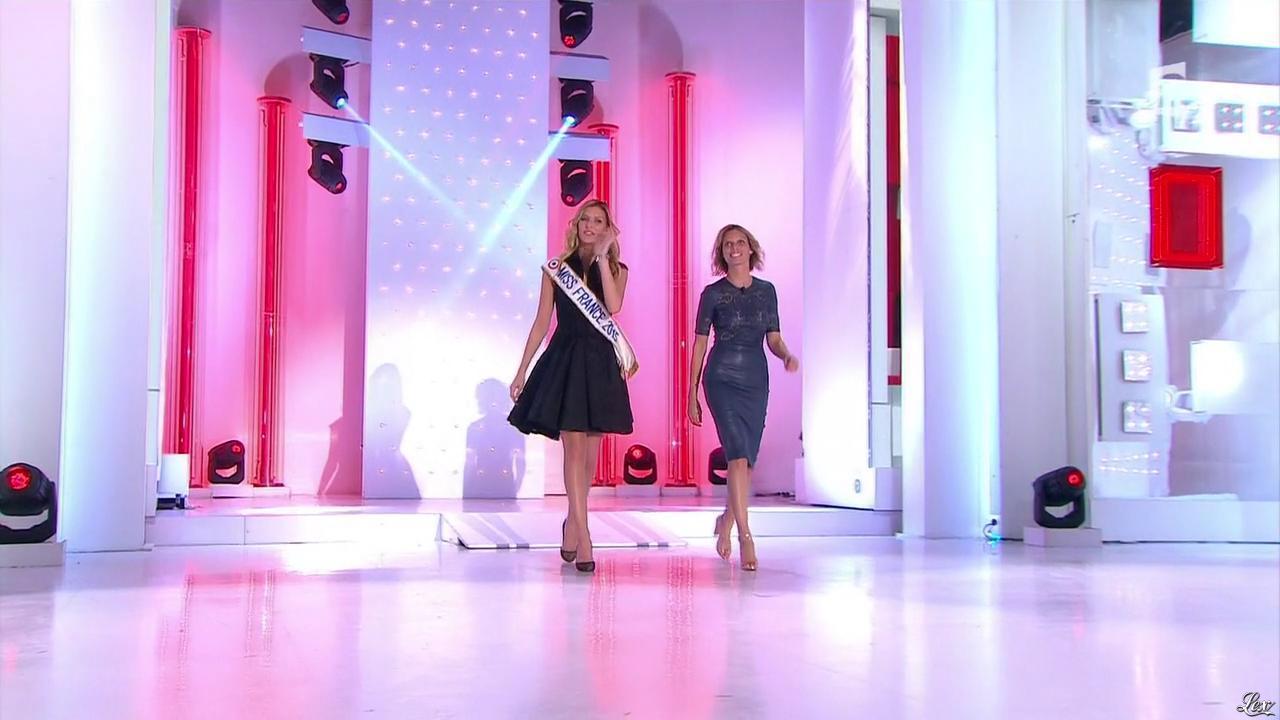 Sylvie Tellier et Camille Cerf dans Vivement Dimanche Prochain. Diffusé à la télévision le 03/05/15.