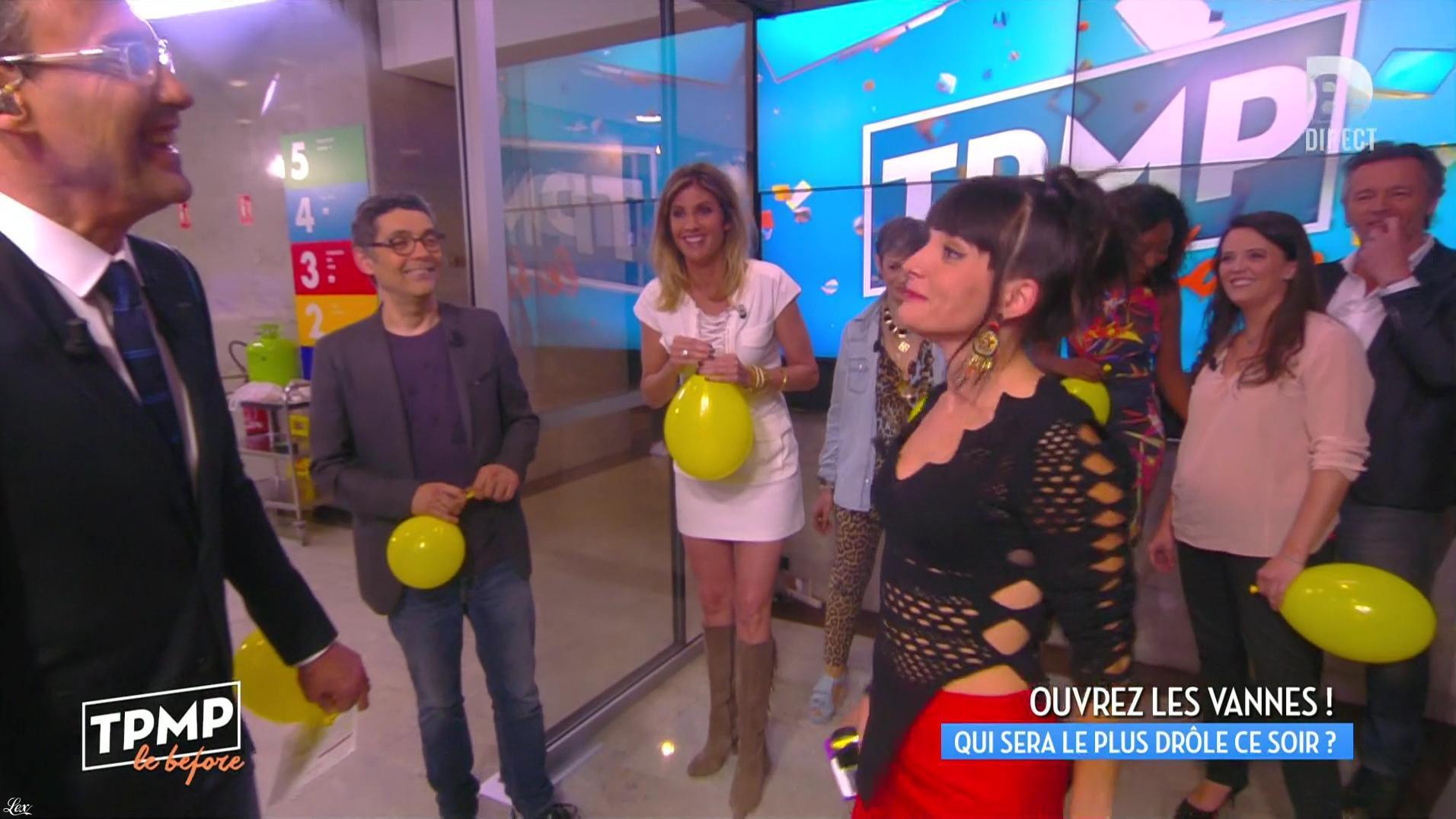 Caroline Ithurbide et Erika Moulet dans Touche pas à mon Poste. Diffusé à la télévision le 20/05/16.