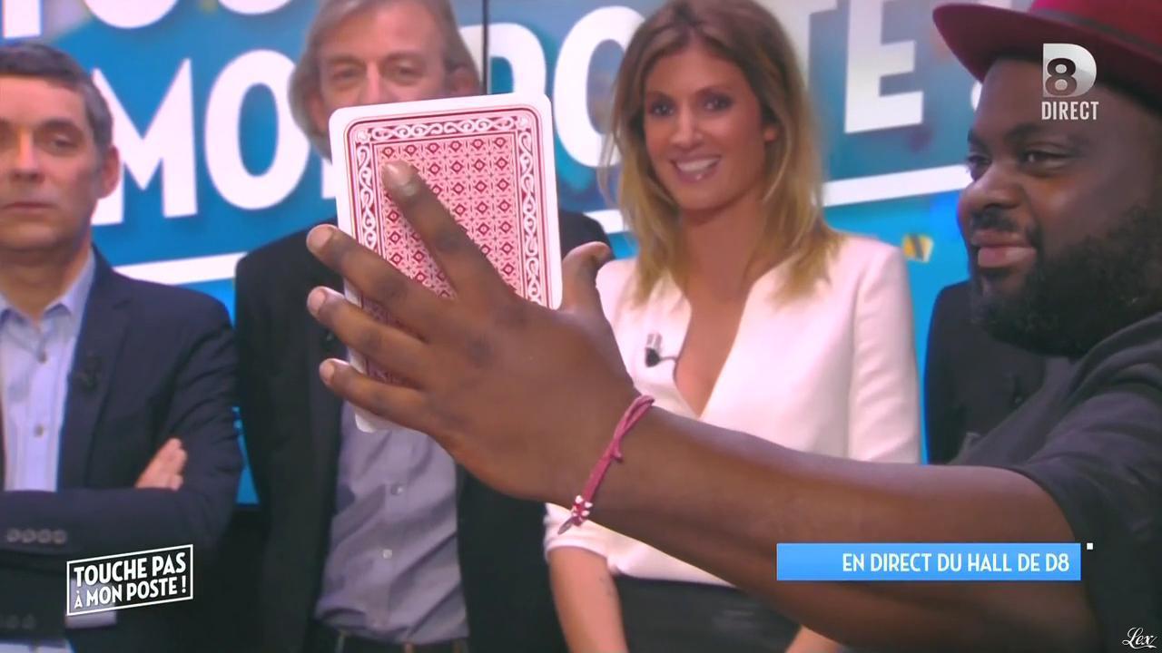 Caroline Ithurbide dans Touche pas à mon Poste. Diffusé à la télévision le 07/10/15.