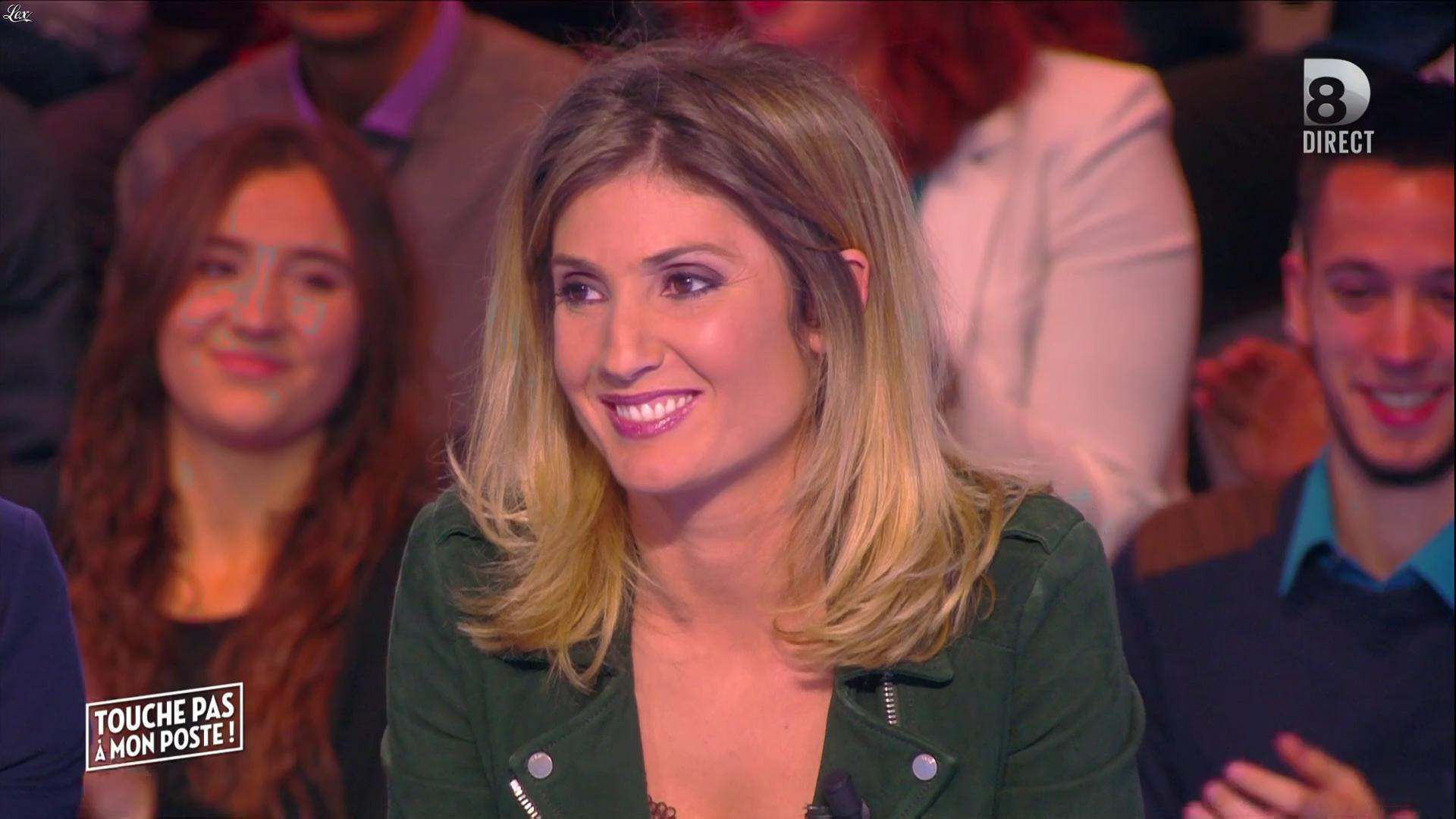 Caroline Ithurbide dans Touche pas à mon Poste. Diffusé à la télévision le 08/04/16.