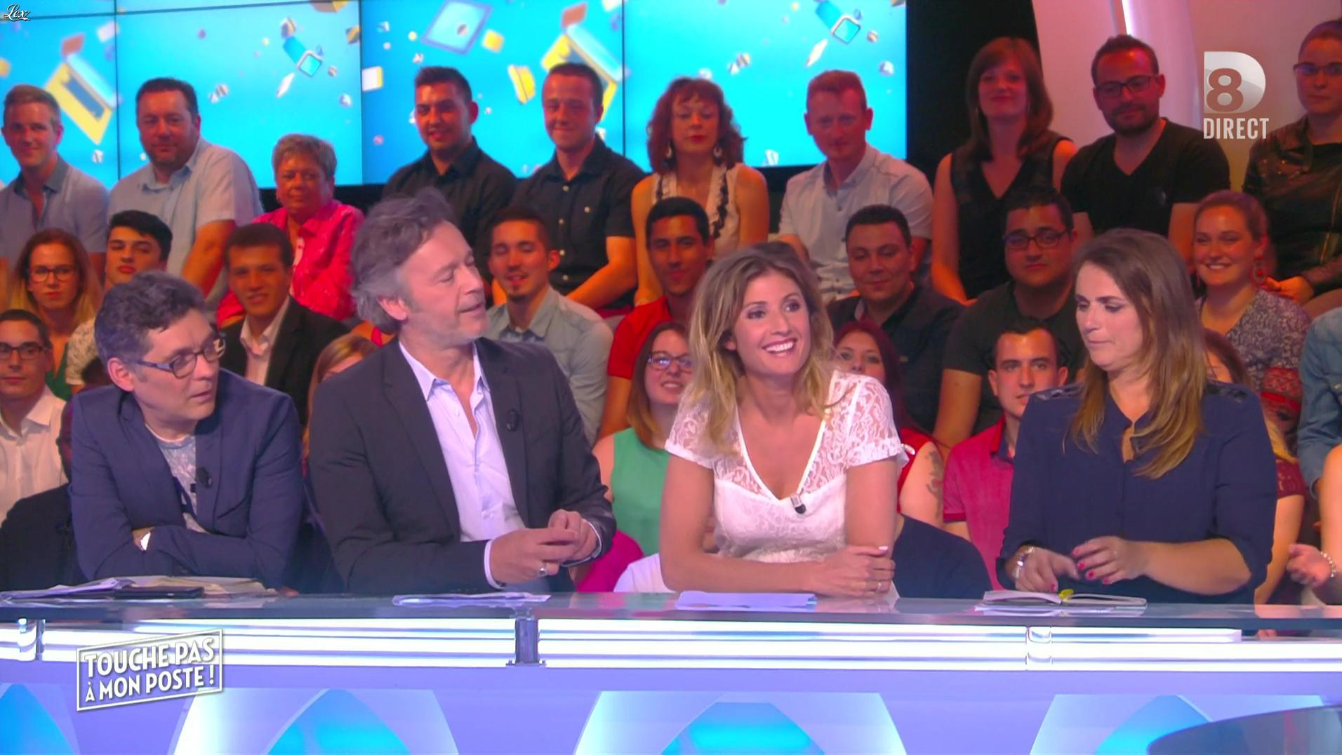 Caroline Ithurbide dans Touche pas à mon Poste. Diffusé à la télévision le 12/05/16.