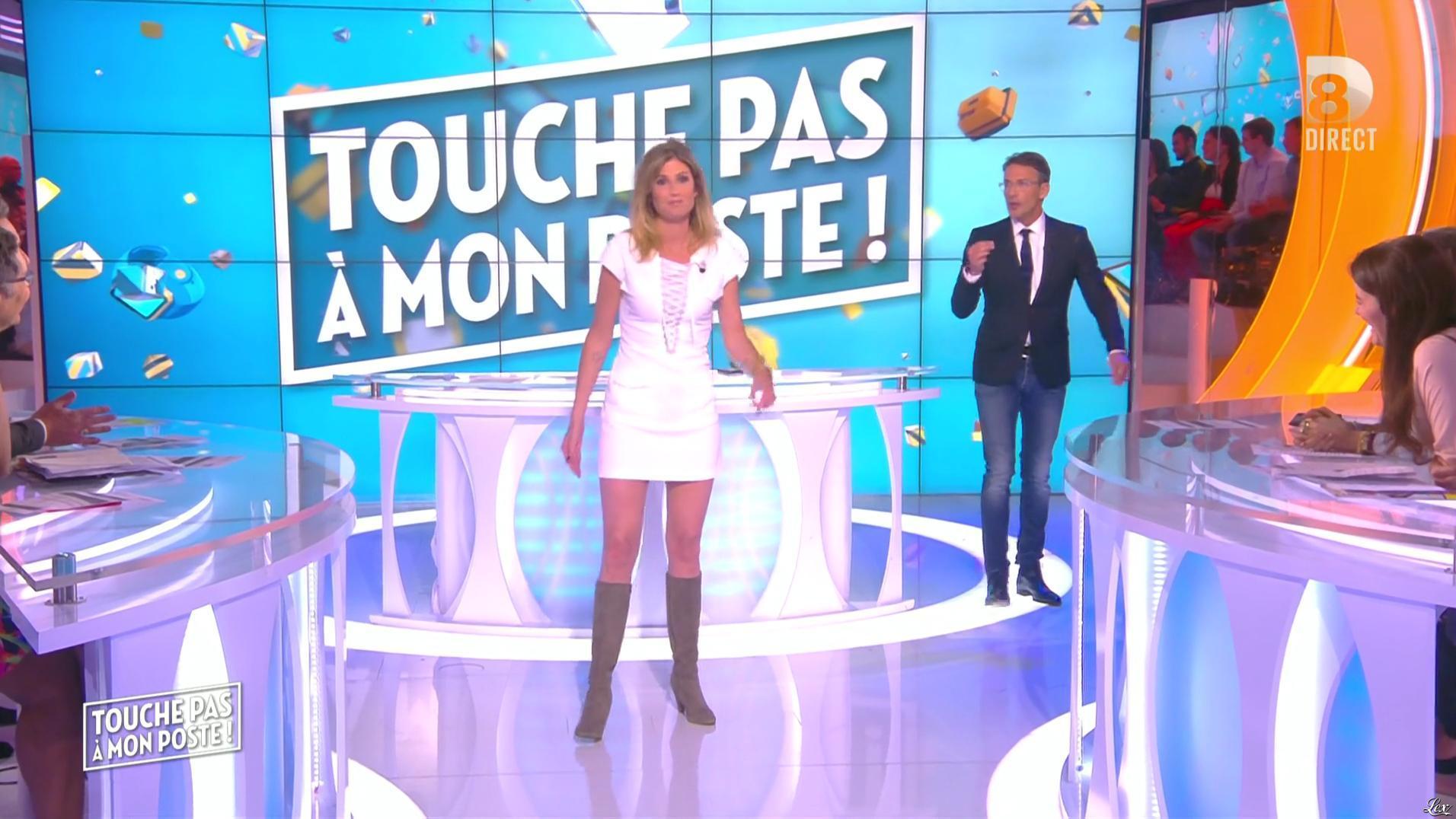 Caroline Ithurbide dans Touche pas à mon Poste. Diffusé à la télévision le 20/05/16.