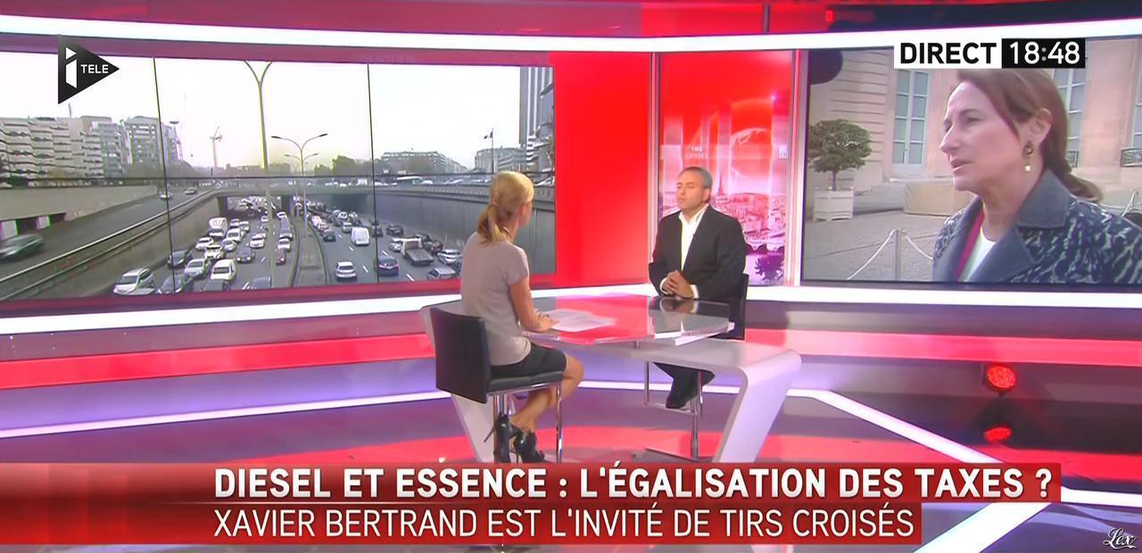 Laurence Ferrari dans Tirs Croisés. Diffusé à la télévision le 07/10/15.