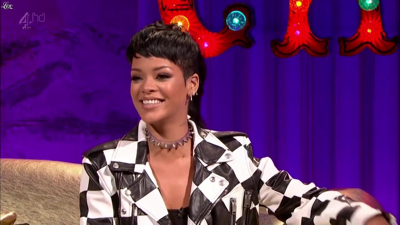 Rihanna dans Alan Chatty Man. Diffusé à la télévision le 27/09/13.