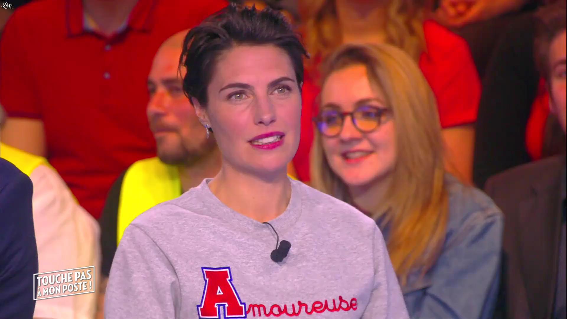Alessandra Sublet dans Touche pas à mon Poste. Diffusé à la télévision le 17/03/16.