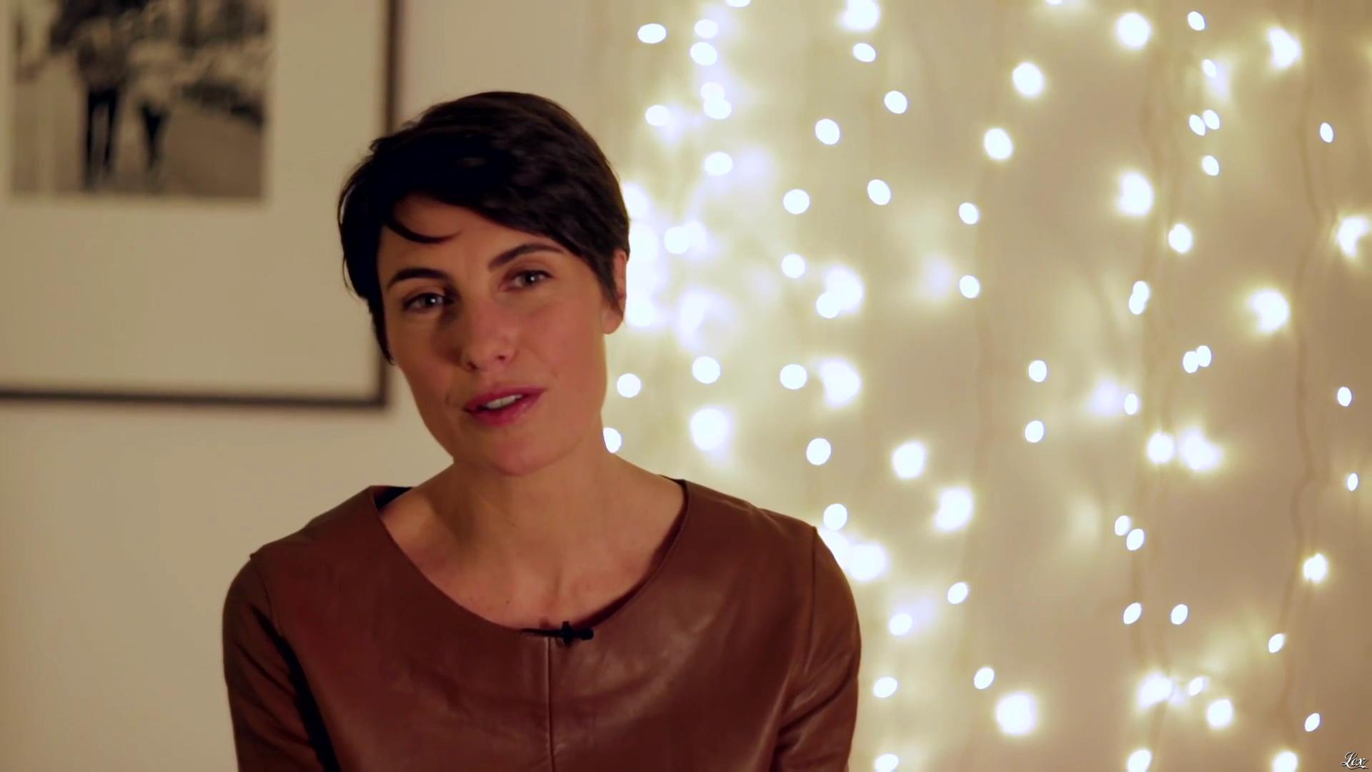Alessandra Sublet dans un Spot pour la Sécurité Routière. Diffusé à la télévision le 22/12/16.