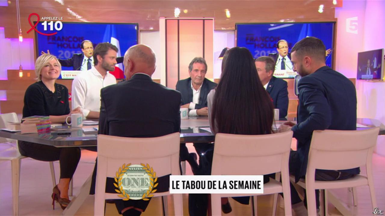 Anne-Elisabeth Lemoine dans C à Vous, C l'Hebdo. Diffusé à la télévision le 25/03/17.