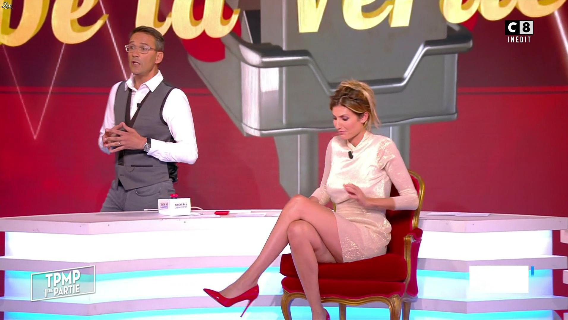 Caroline Ithurbide dans Touche pas à mon Poste. Diffusé à la télévision le 30/06/17.