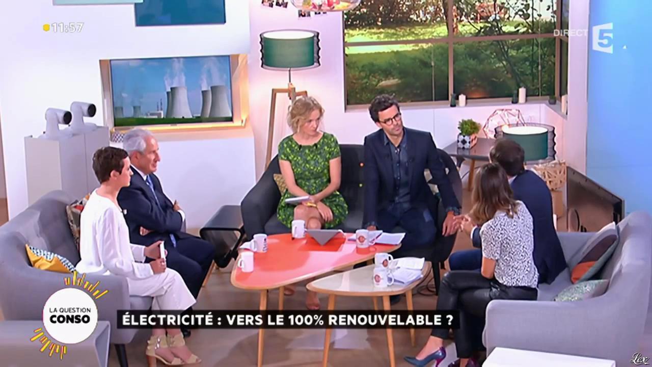 Mélanie Taravant dans la Quotidienne. Diffusé à la télévision le 21/09/15.