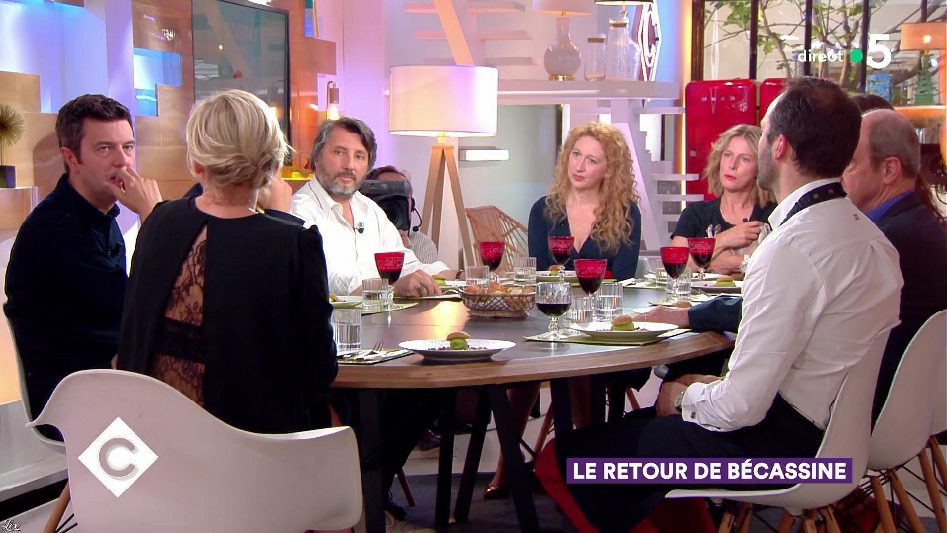 Anne-Elisabeth Lemoine dans C à Vous. Diffusé à la télévision le 07/06/18.