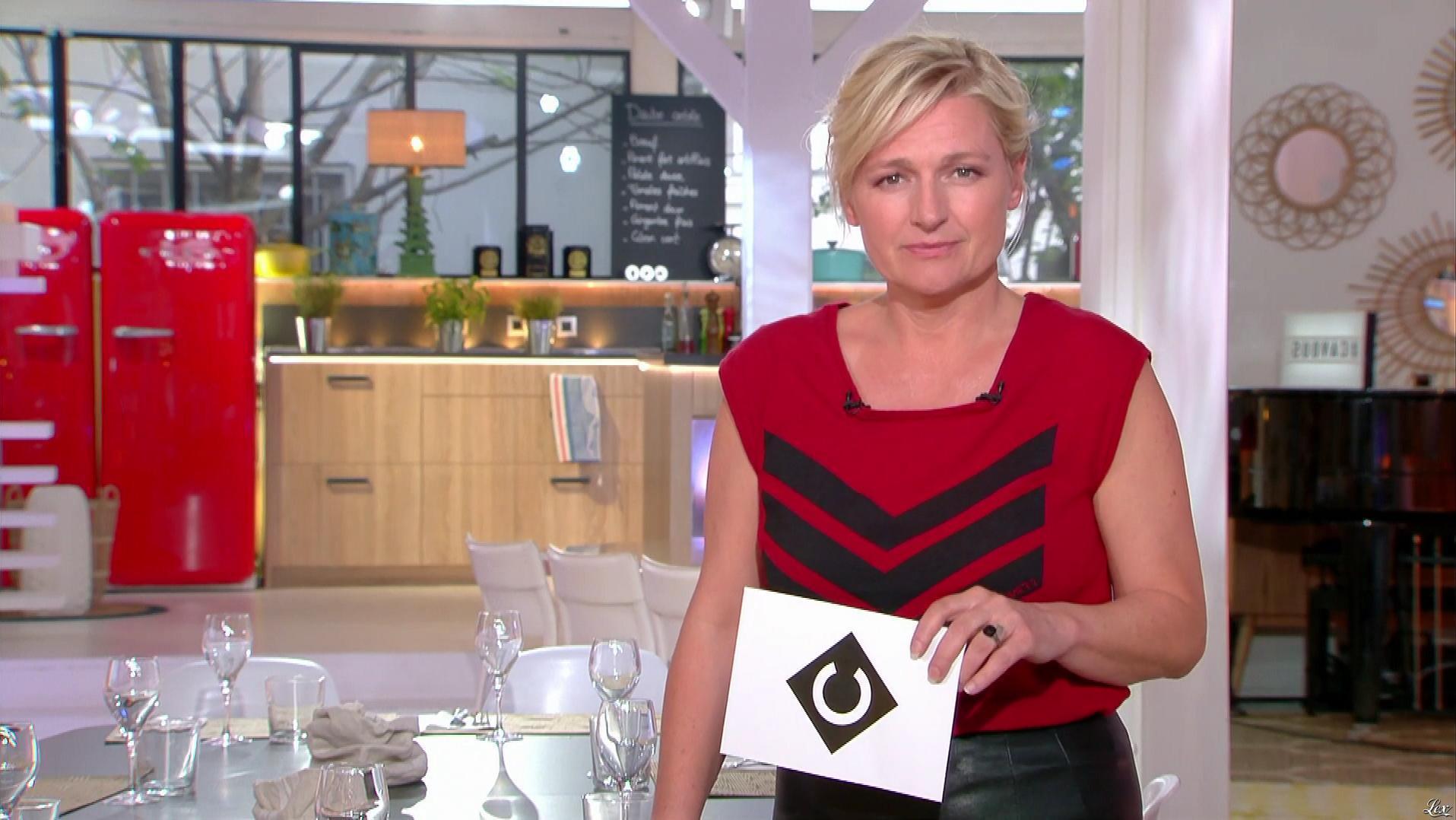 Anne-Elisabeth Lemoine dans C à Vous. Diffusé à la télévision le 24/04/18.
