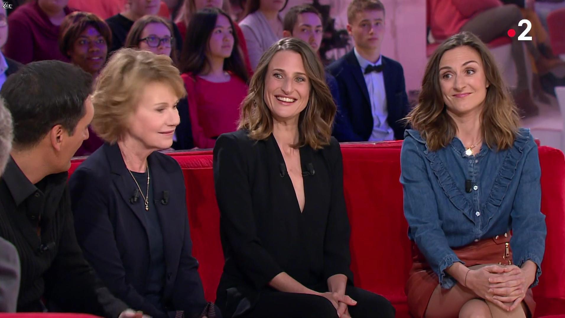 Camille Chamoux dans Vivement Dimanche. Diffusé à la télévision le 08/04/18.