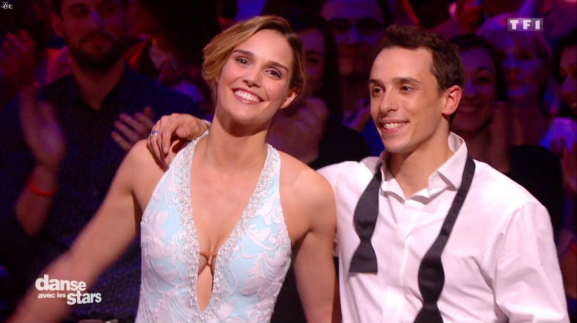 Camille Lou dans Danse avec les Stars. Diffusé à la télévision le 03/12/16.