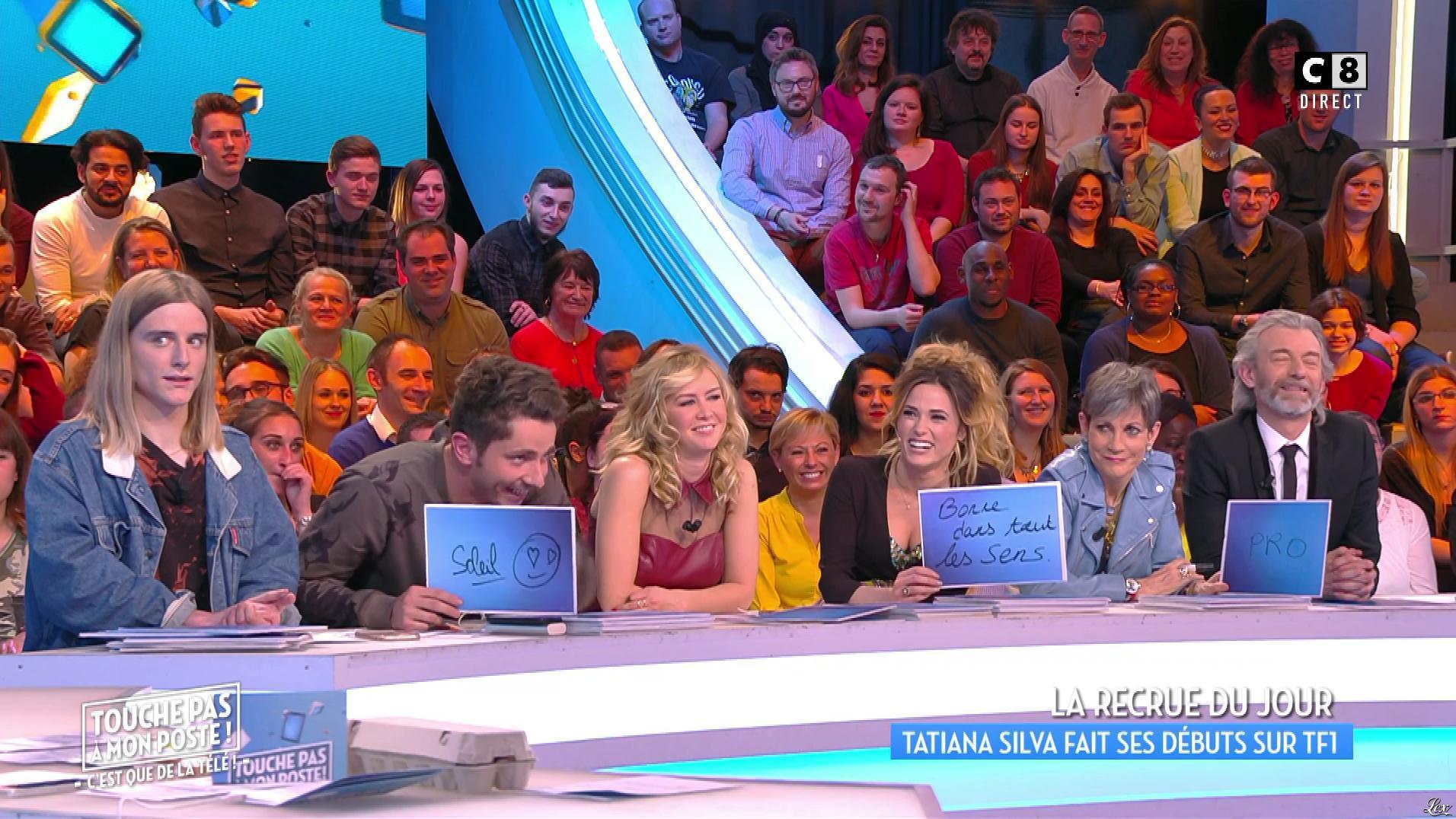 Capucine Anav et Enora Malagré dans Touche pas à mon Poste. Diffusé à la télévision le 10/03/17.