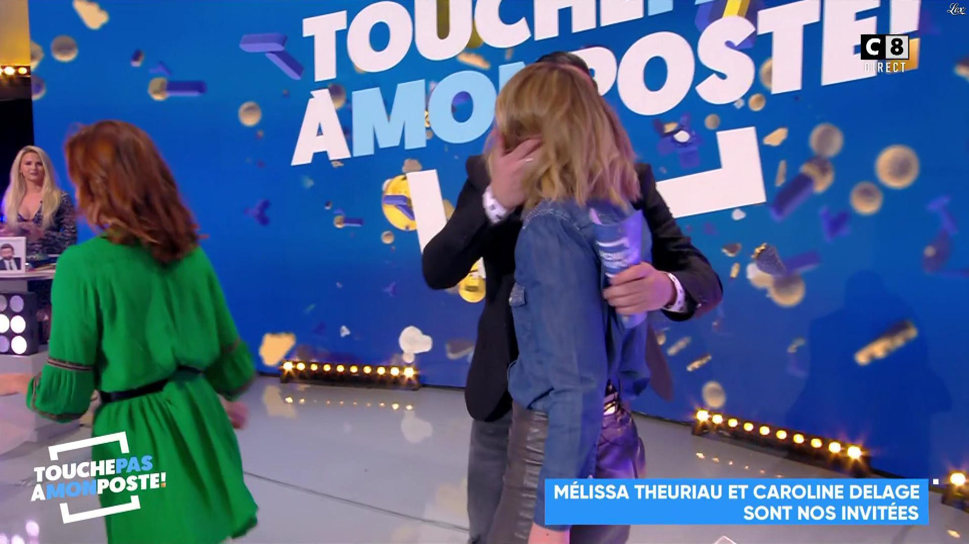 Caroline Delage dans Touche pas à mon Poste. Diffusé à la télévision le 28/03/18.