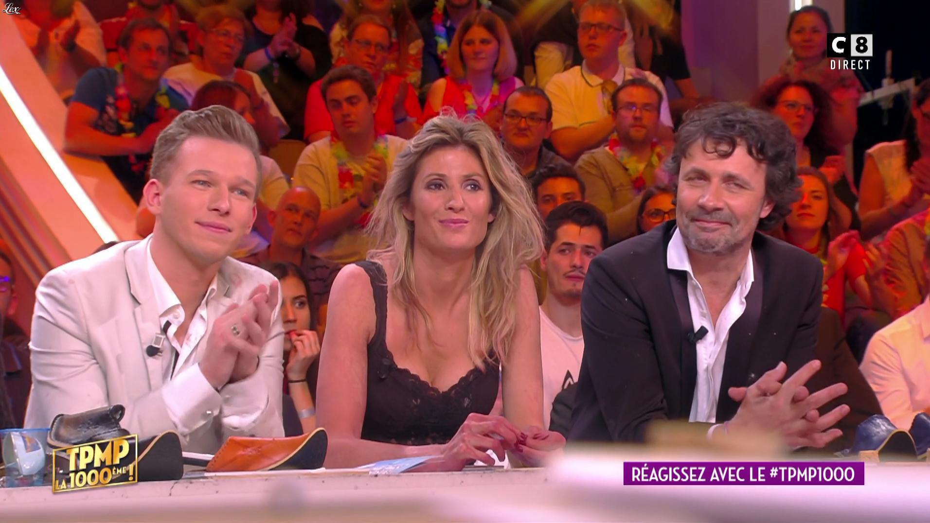Caroline Ithurbide dans Touche pas à mon Poste. Diffusé à la télévision le 27/04/17.