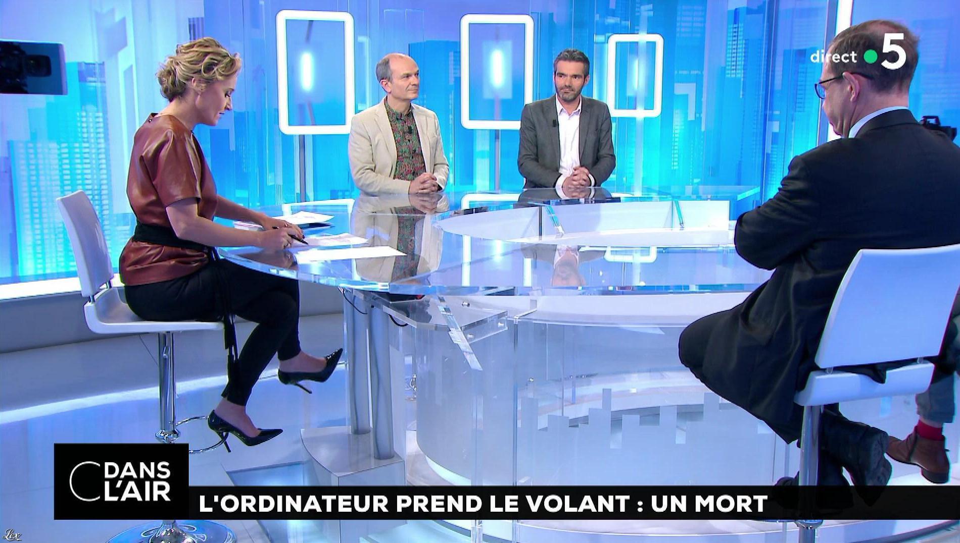 Caroline Roux dans C dans l'Air. Diffusé à la télévision le 20/03/18.