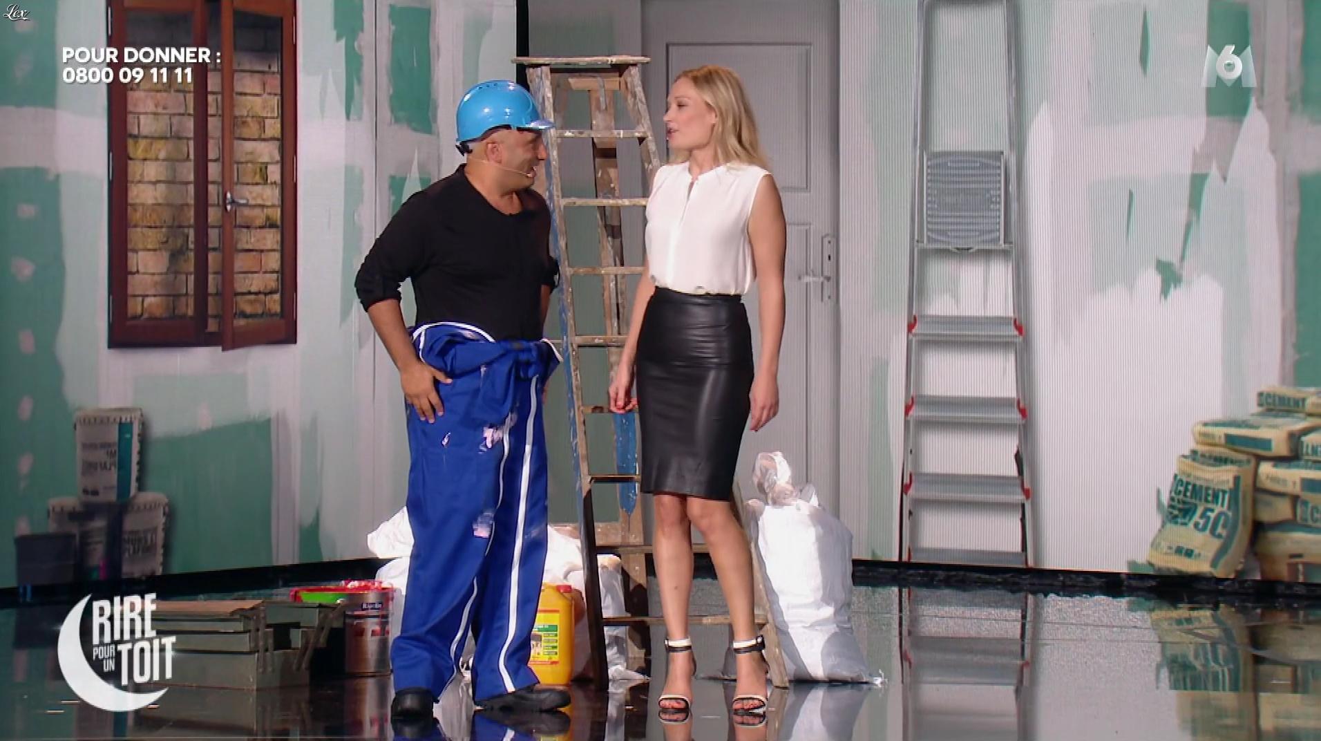 Caroline Vigneaux dans Rire pour un Toit. Diffusé à la télévision le 22/12/17.