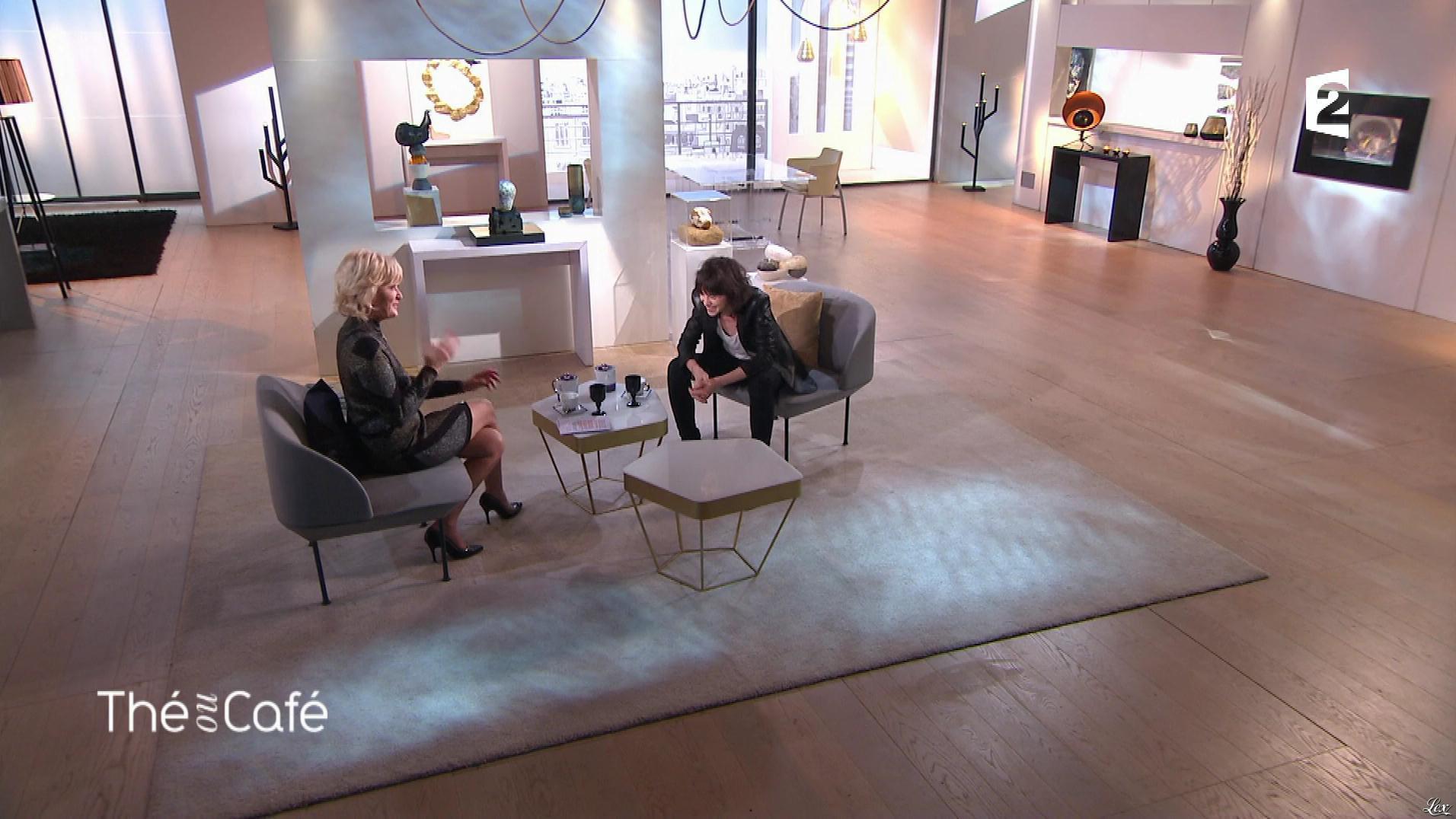 Catherine Ceylac dans The ou Cafe. Diffusé à la télévision le 16/12/17.