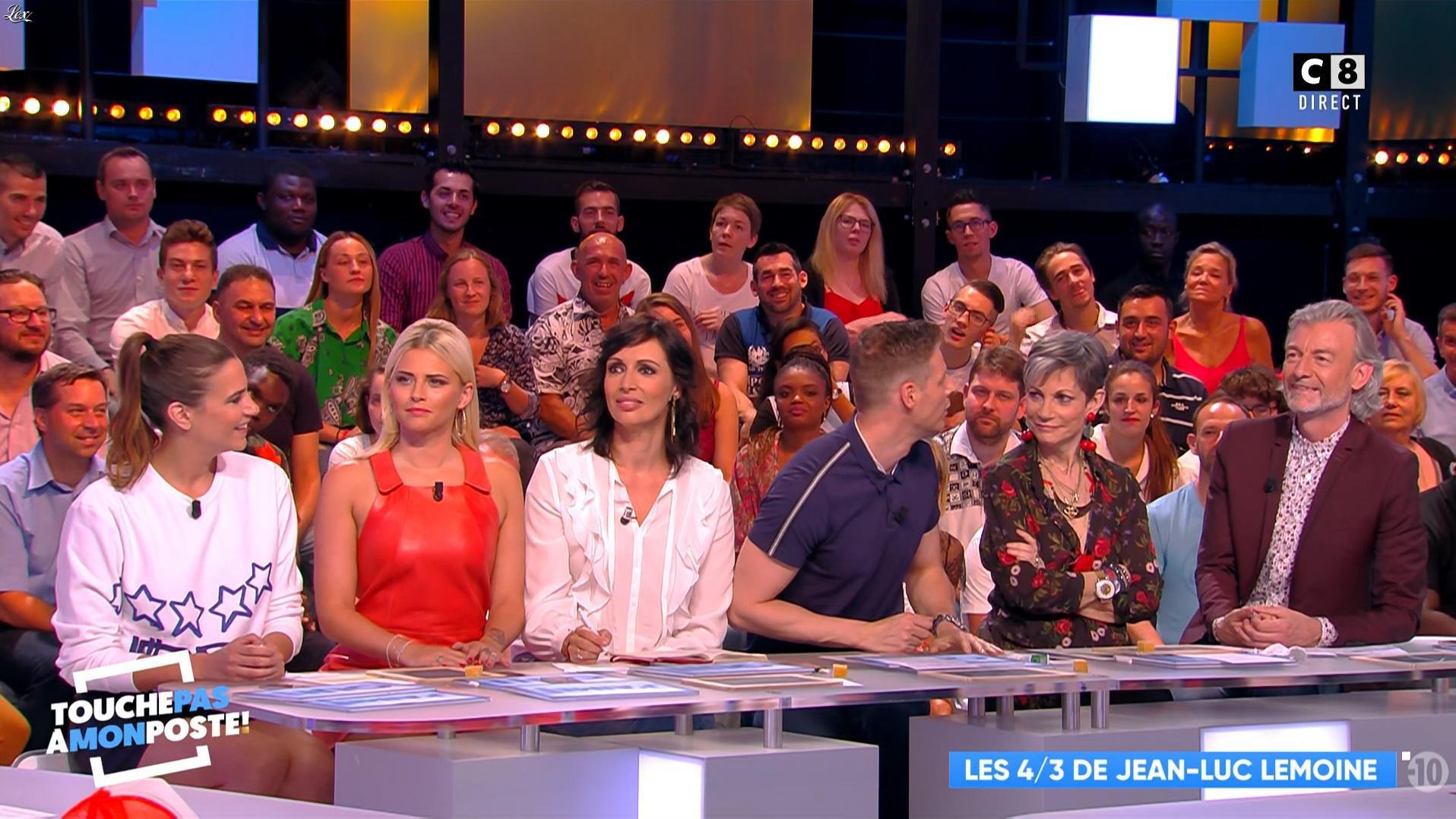 Charlotte Gabris et Kelly Vedovelli dans Touche pas à mon Poste. Diffusé à la télévision le 30/05/18.