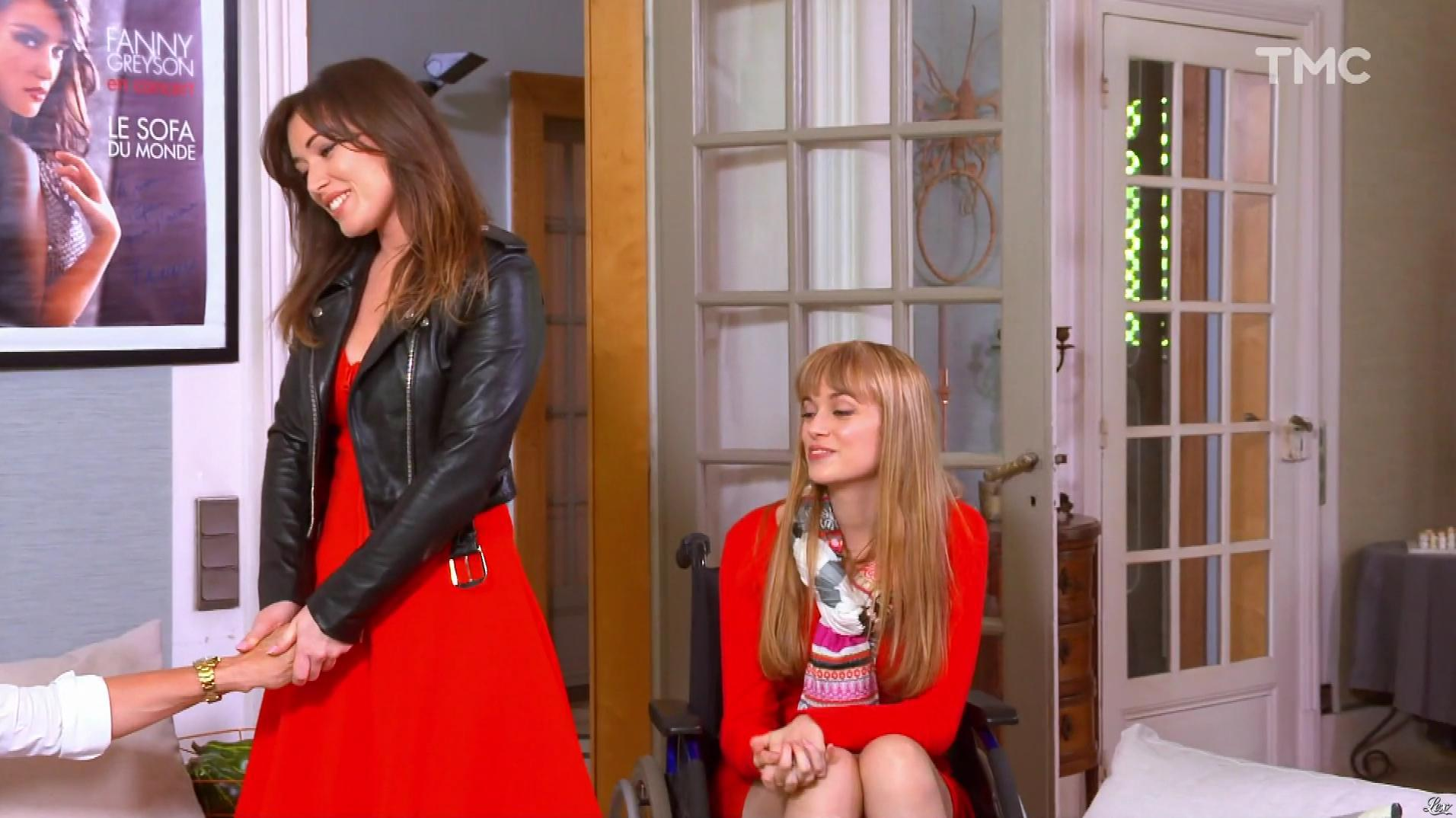 Elsa Esnoult et Ambre Rochard dans les Mystères de l'Amour. Diffusé à la télévision le 04/07/17.