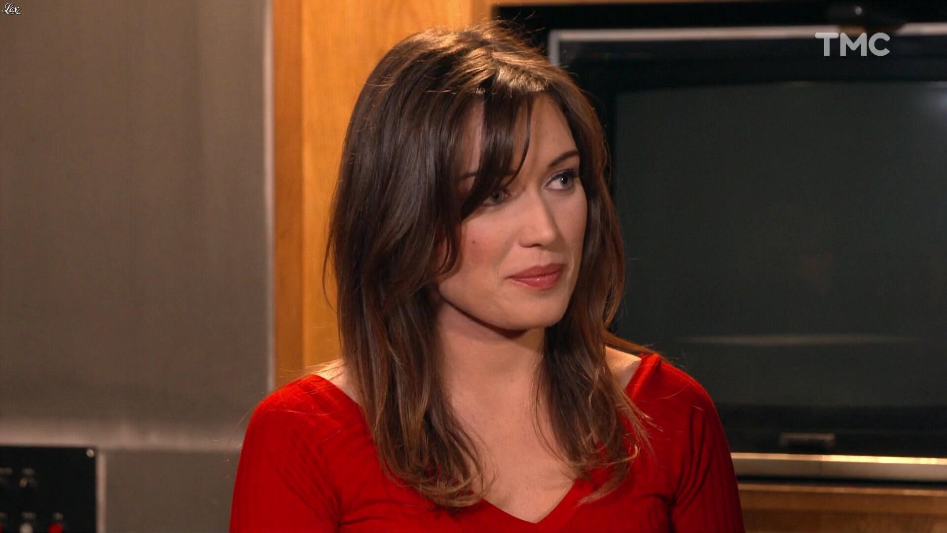 Elsa Esnoult dans les Mystères de l'Amour. Diffusé à la télévision le 29/04/17.