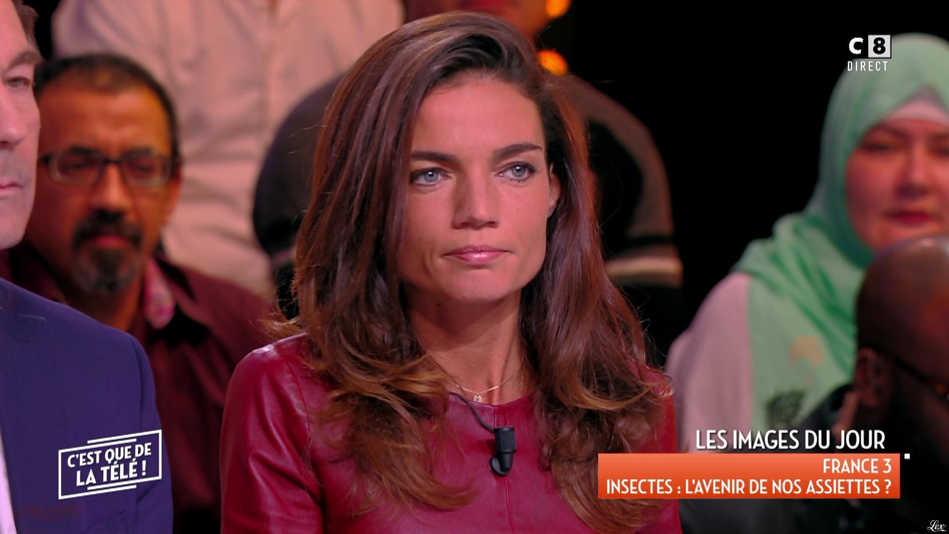 FrancesÇa Antoniotti dans c'est Que de la Télé. Diffusé à la télévision le 09/01/18.