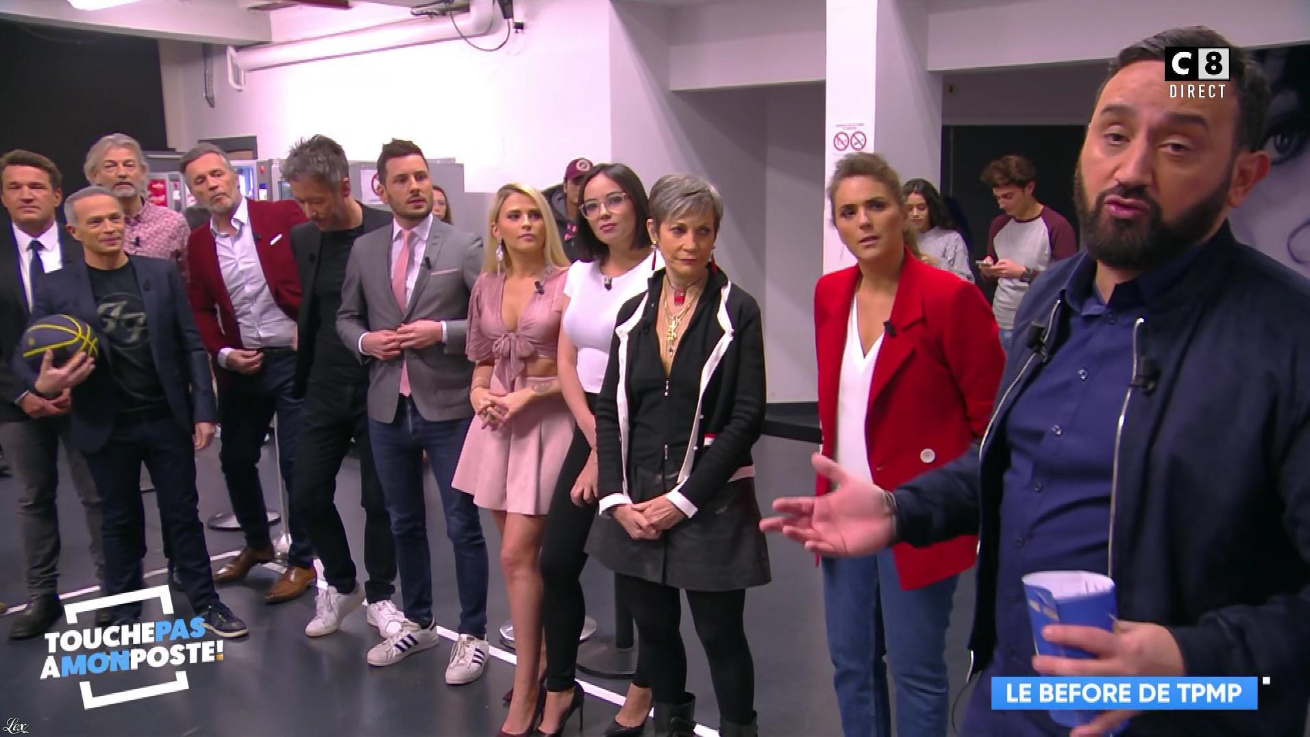 Kelly Vedovelli et Agathe Auproux dans Touche pas à mon Poste. Diffusé à la télévision le 05/02/18.