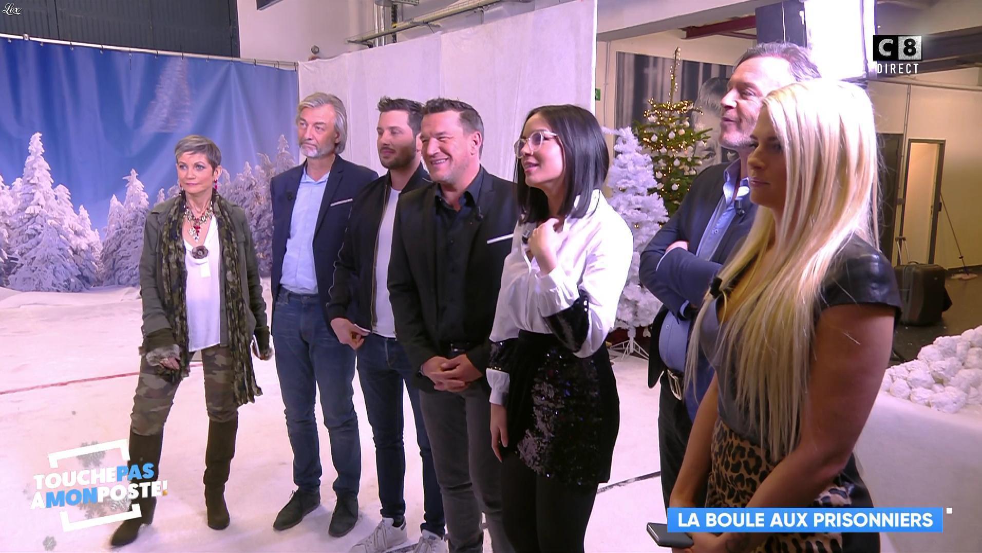 Kelly Vedovelli et Agathe Auproux dans Touche pas à mon Poste. Diffusé à la télévision le 19/12/17.