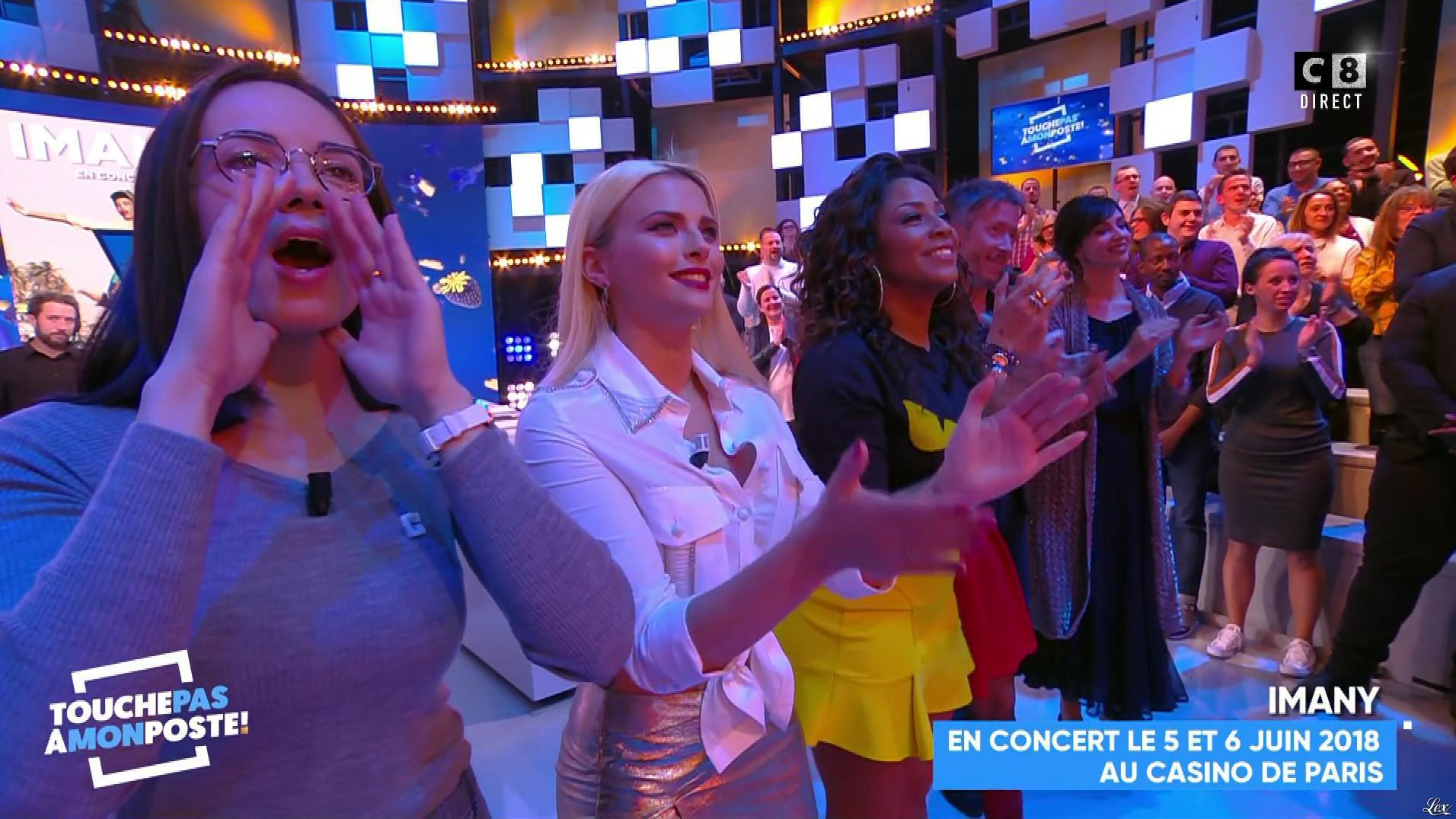 Kelly Vedovelli dans Touche pas à mon Poste. Diffusé à la télévision le 04/12/17.