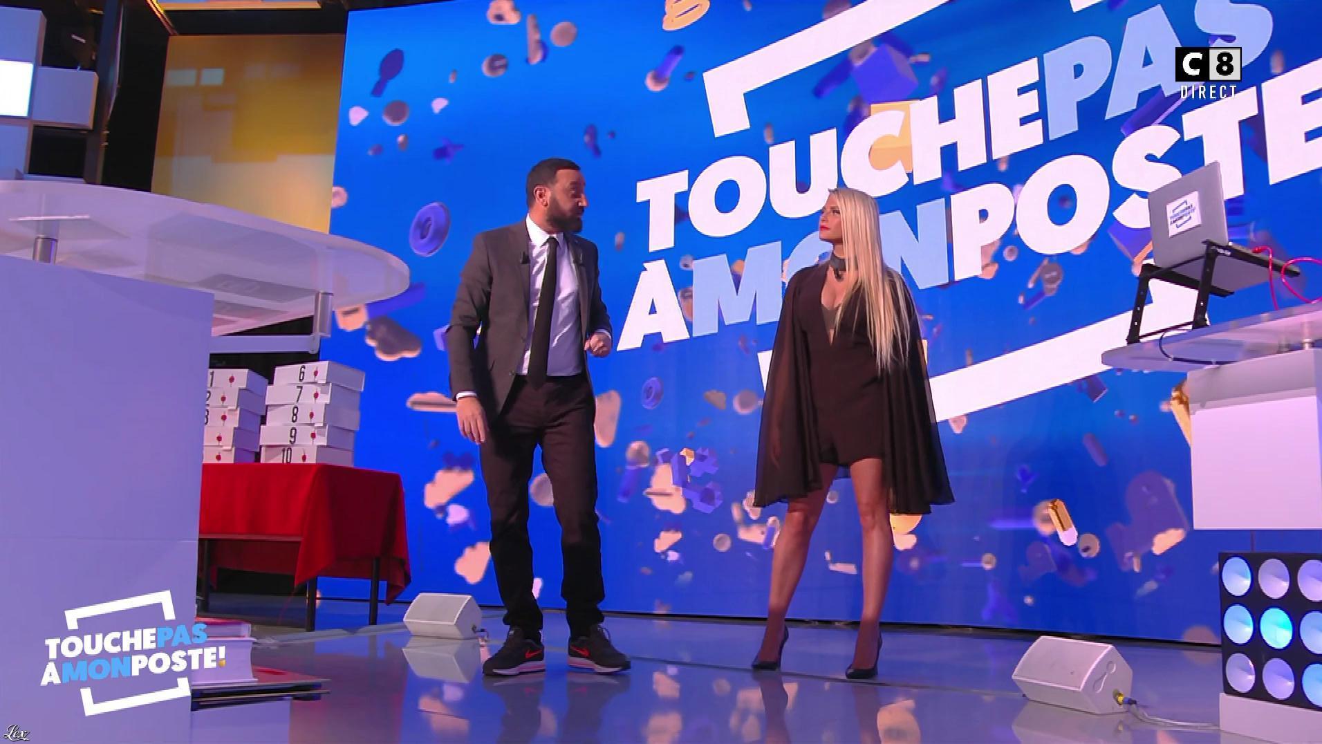 Kelly Vedovelli dans Touche pas à mon Poste. Diffusé à la télévision le 06/11/17.