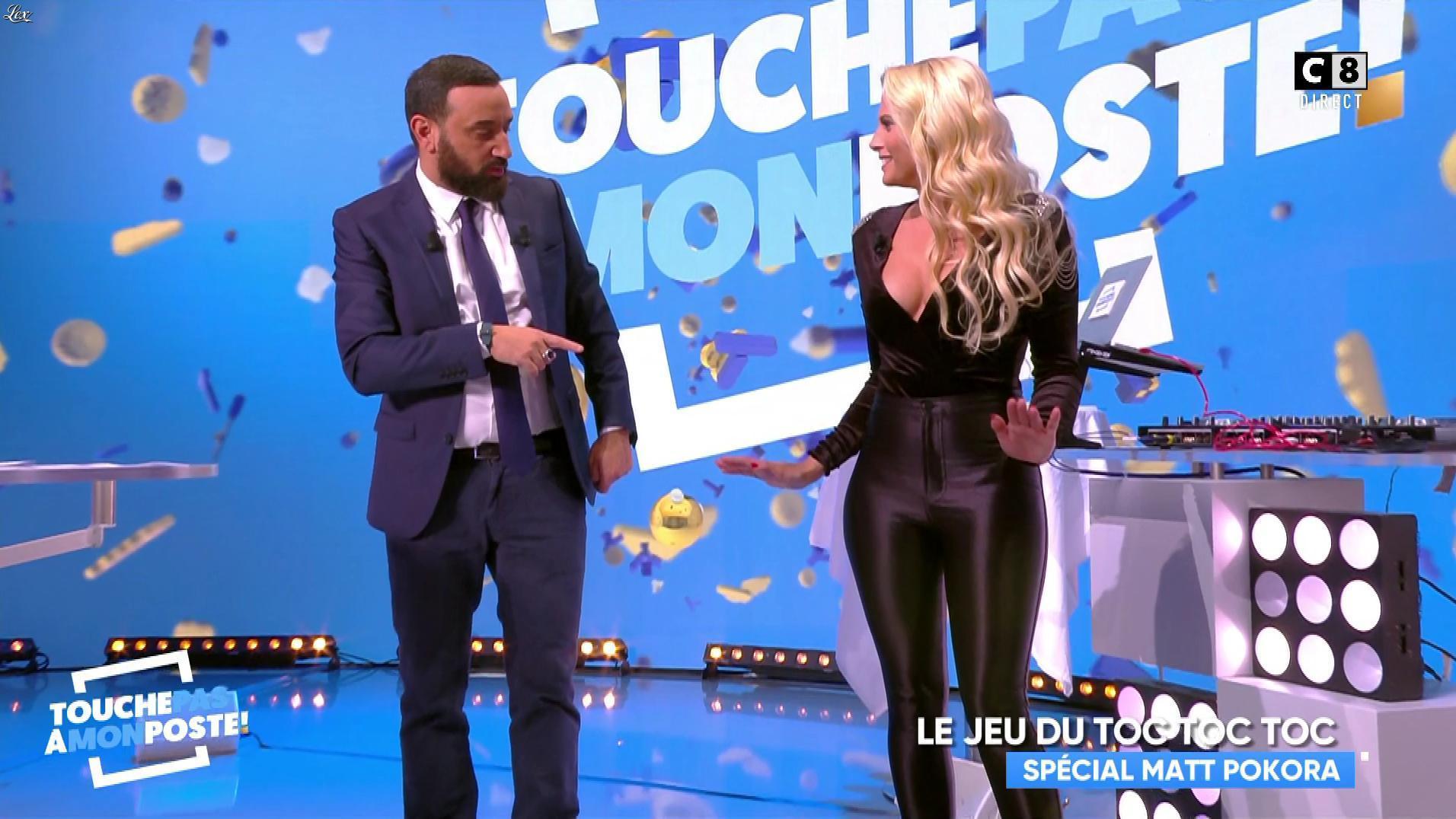 Kelly Vedovelli dans Touche pas à mon Poste. Diffusé à la télévision le 09/11/17.