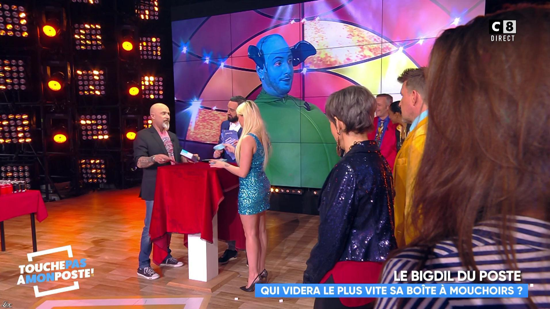 Kelly Vedovelli dans Touche pas à mon Poste. Diffusé à la télévision le 12/04/18.