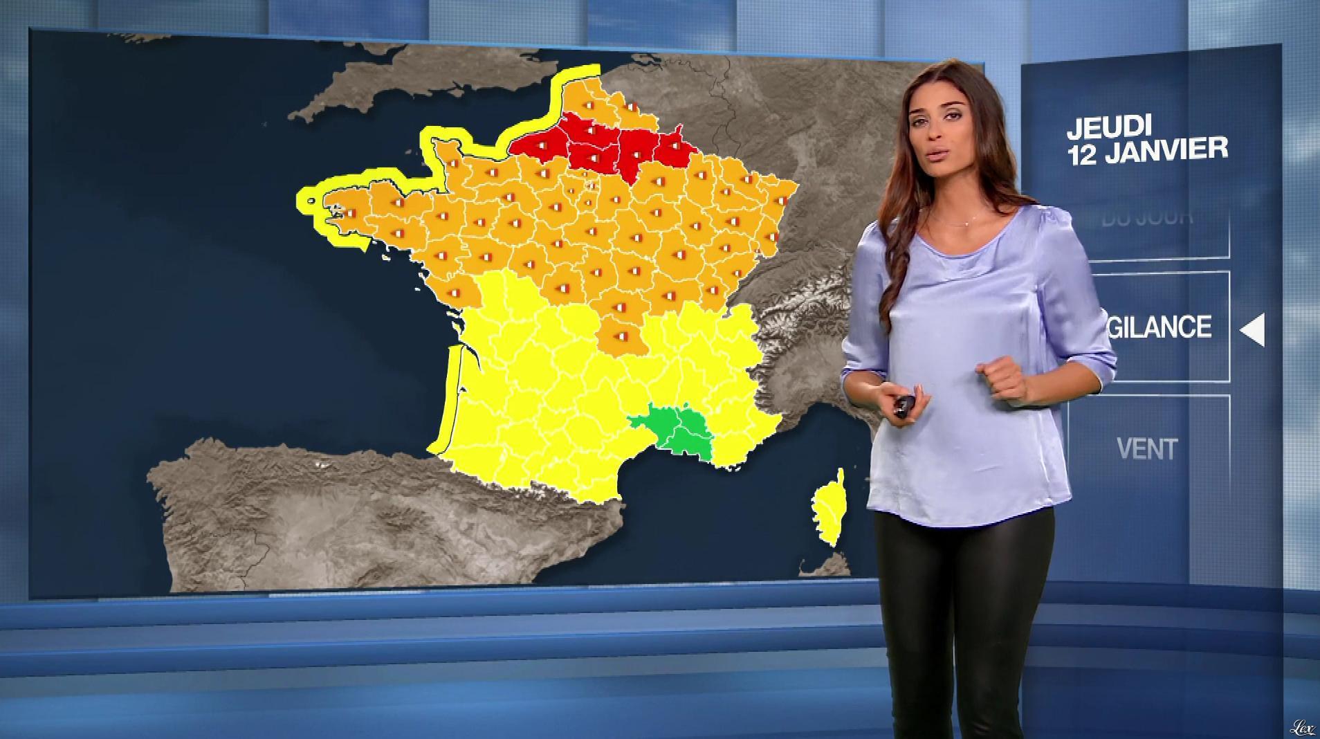 Tatiana Silva à la Météo du Soir. Diffusé à la télévision le 12/01/17.