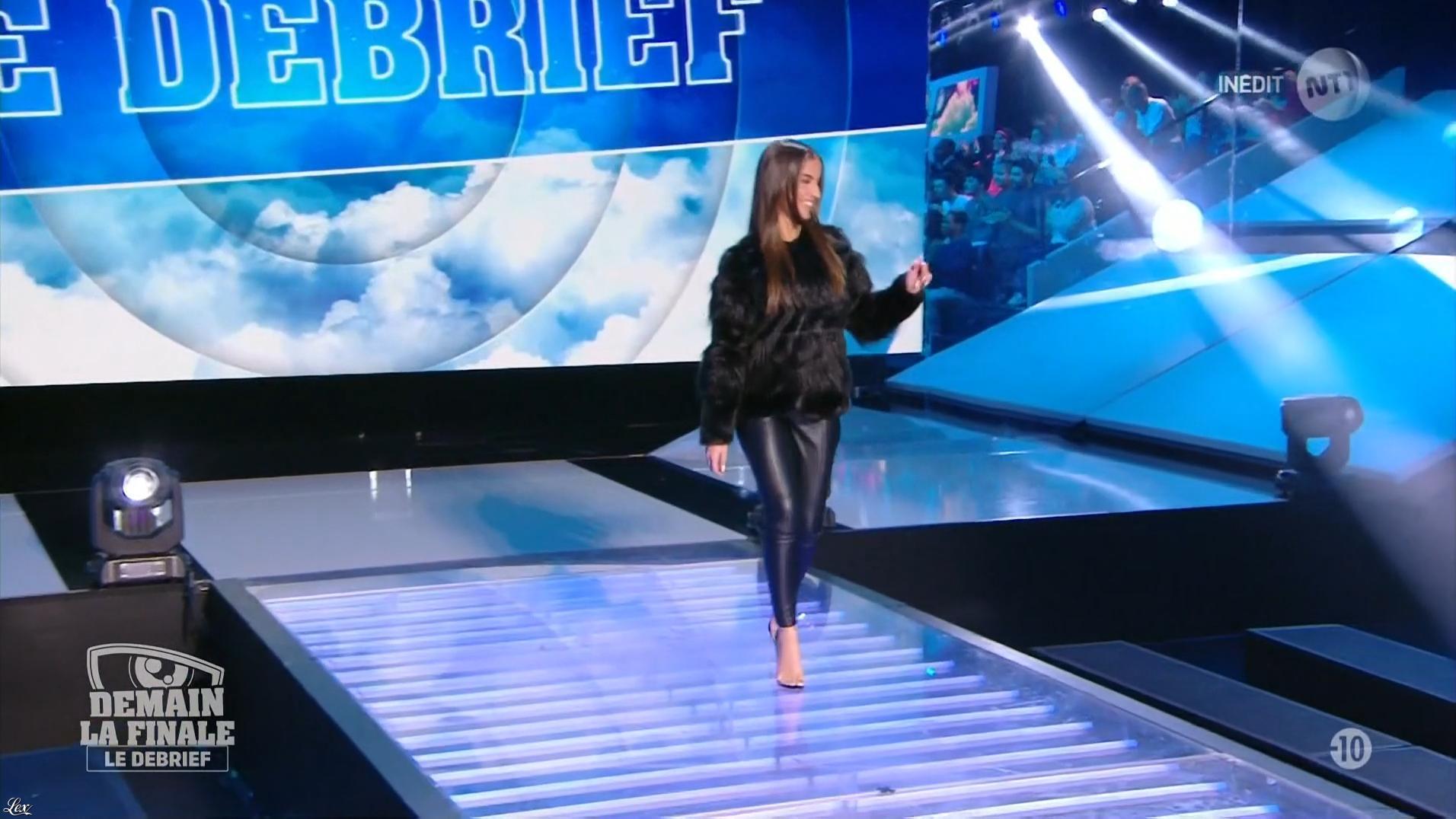 Une Candidate dans Secret Story le Debrief. Diffusé à la télévision le 06/12/17.