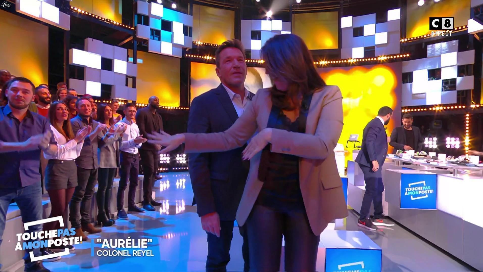 Valérie Benaim dans Touche pas à mon Poste. Diffusé à la télévision le 09/11/17.