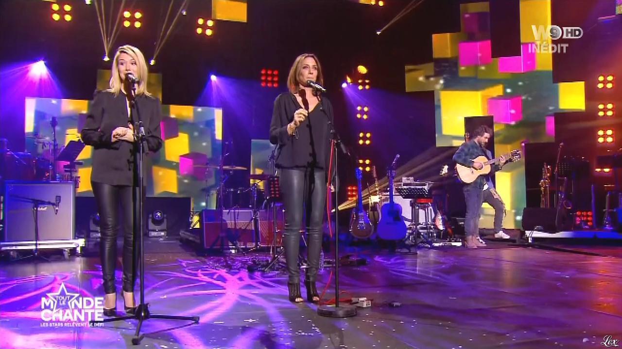 Virginie Guilhaume et Louise Ekland dans Tout le Monde Chante. Diffusé à la télévision le 17/12/15.