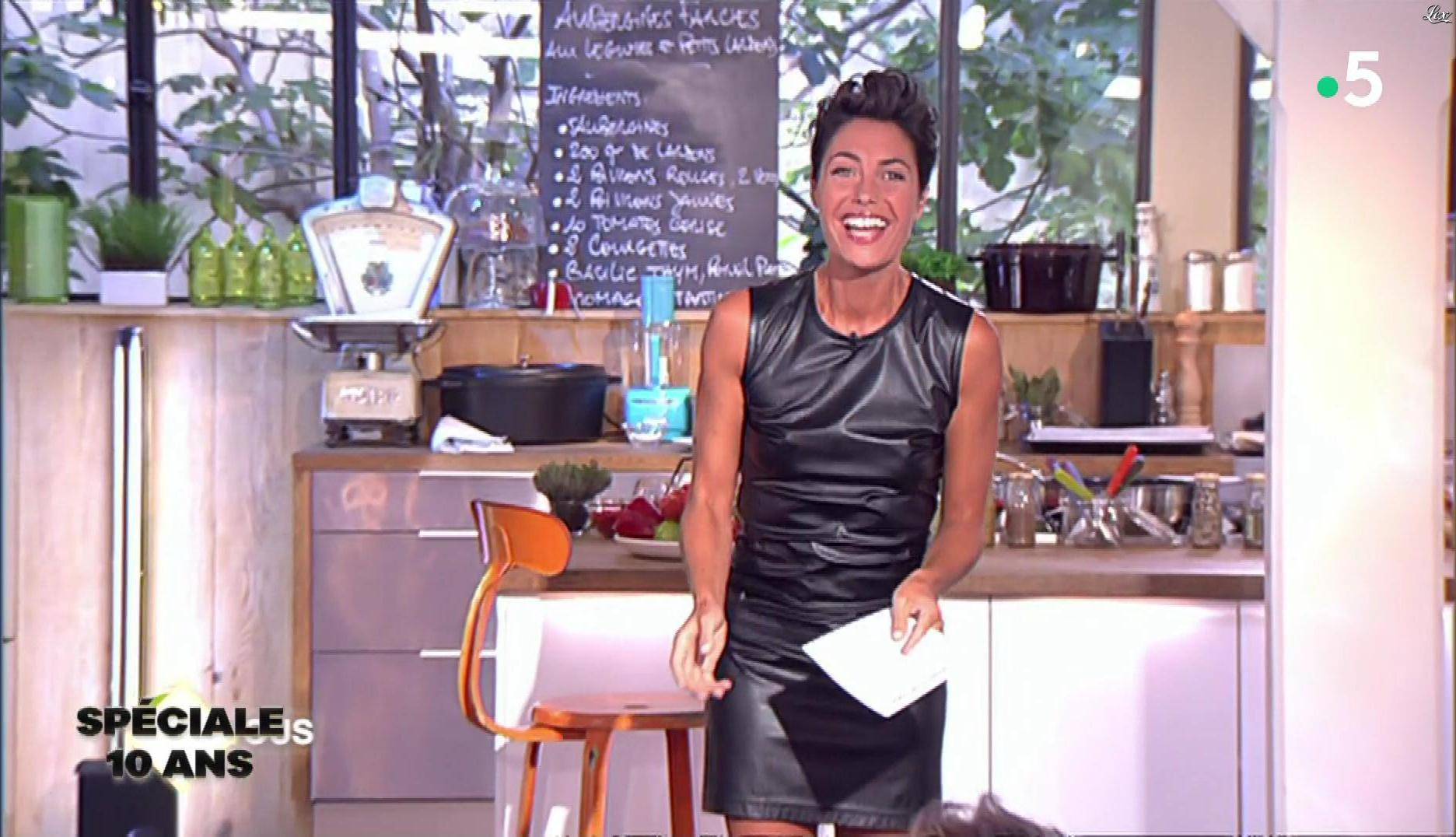 Alessandra Sublet dans C à Vous. Diffusé à la télévision le 21/06/19.
