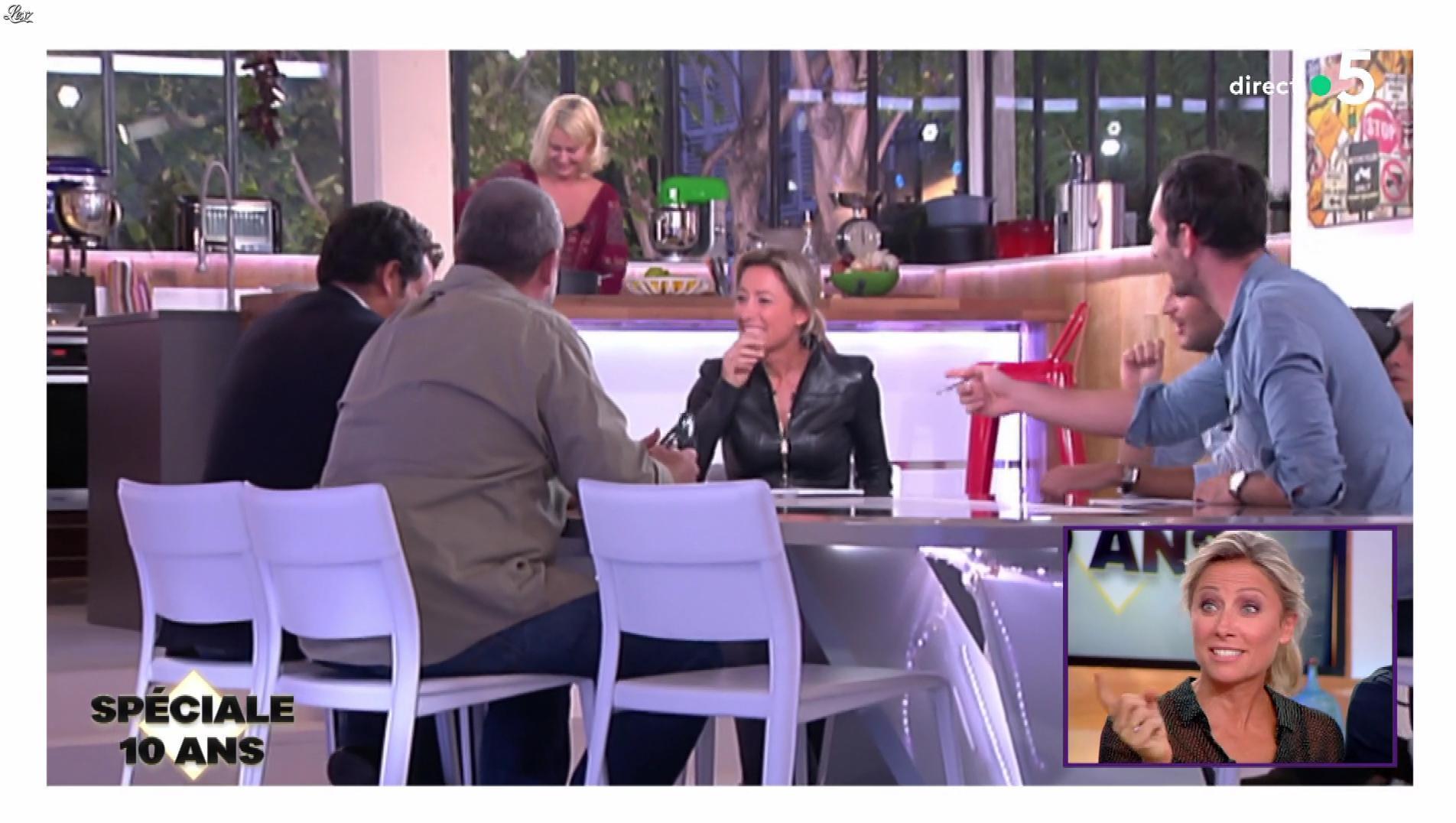 Anne-Sophie Lapix dans C à Vous. Diffusé à la télévision le 21/06/19.