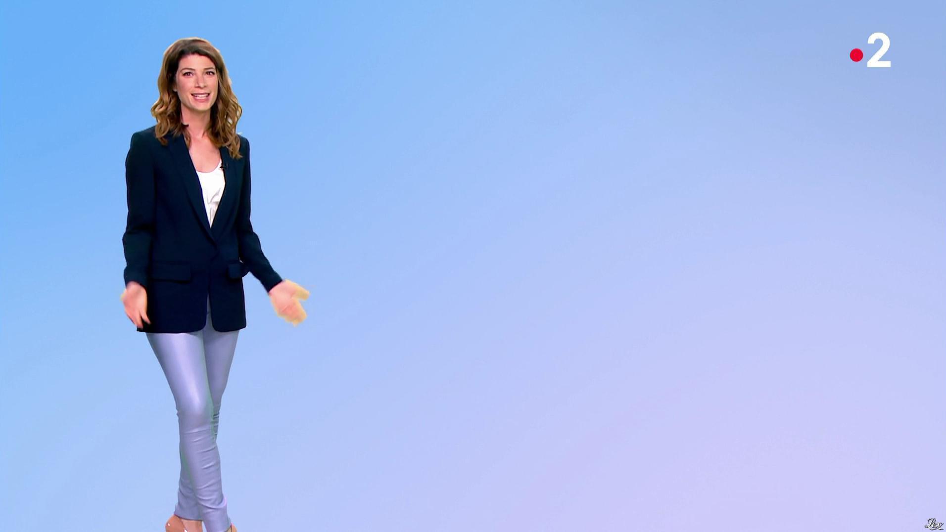 Chloé Nabedian dans la Meteo de 13h. Diffusé à la télévision le 18/07/19.